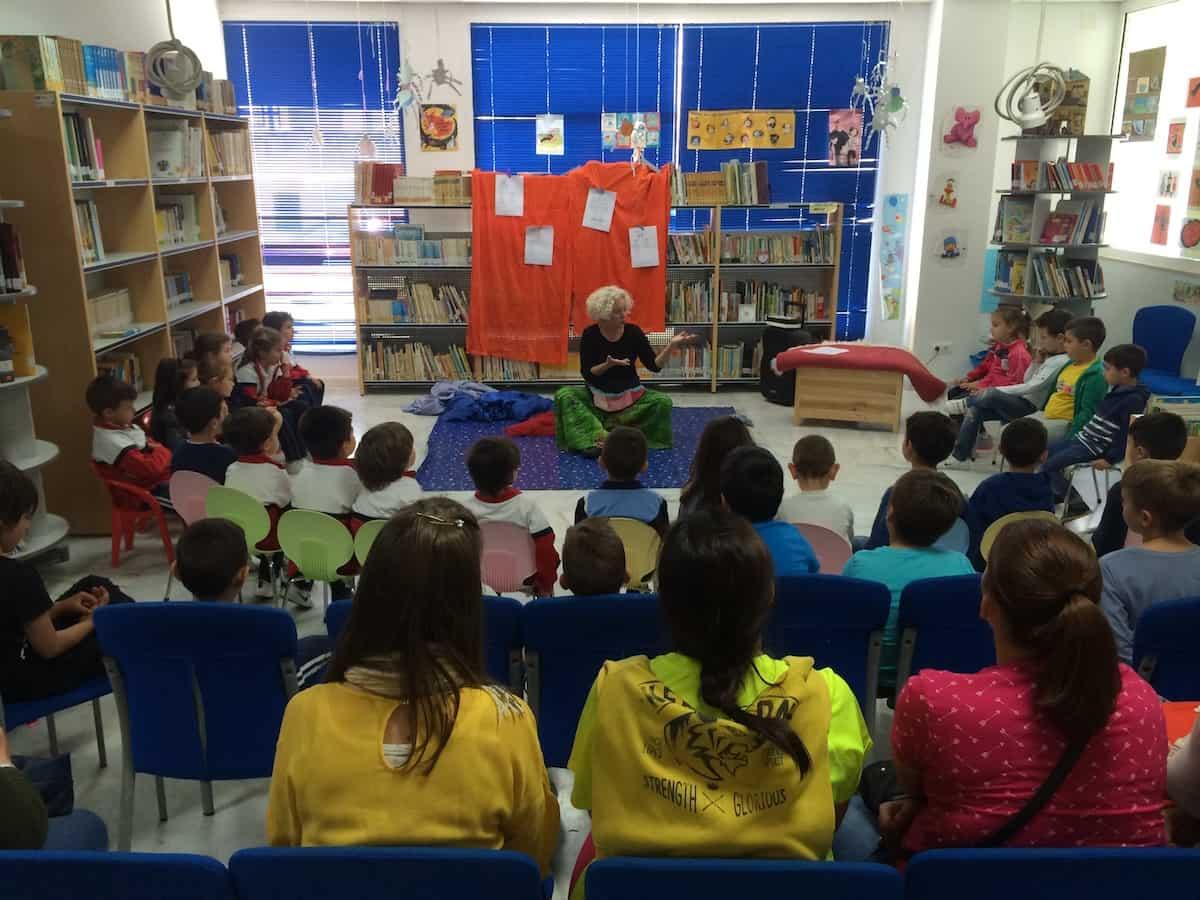 CUENTO MOVIL EN BIBLIOTECA DE ACALA DE LOS GAZULES