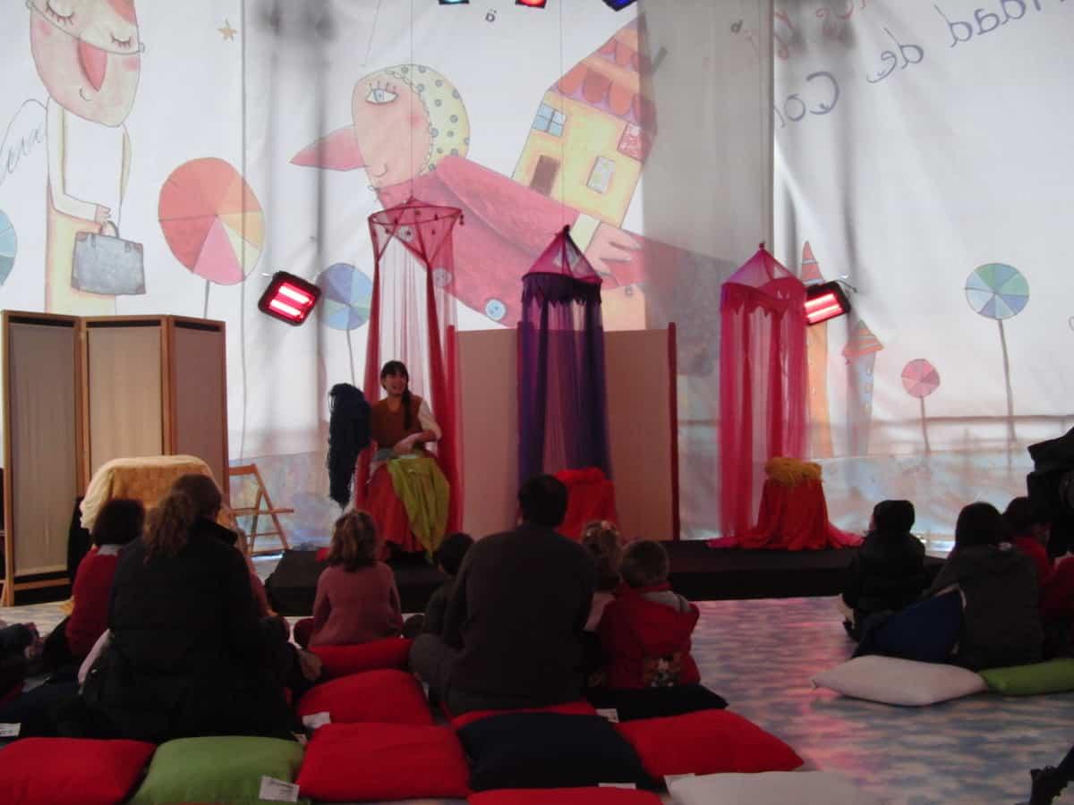 Actividad interactiva en plaza colón - Campamentos urbanos de Escenoteca